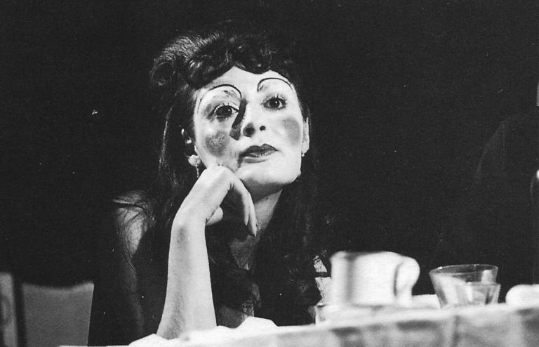 La boda de los pequeños burgueses - Los Goliardos Teatro 1970 Primer plano