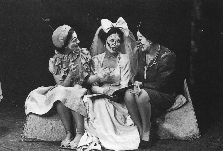 La boda de los pequeños burgueses - Los Goliardos Teatro 1972 Angel Facio