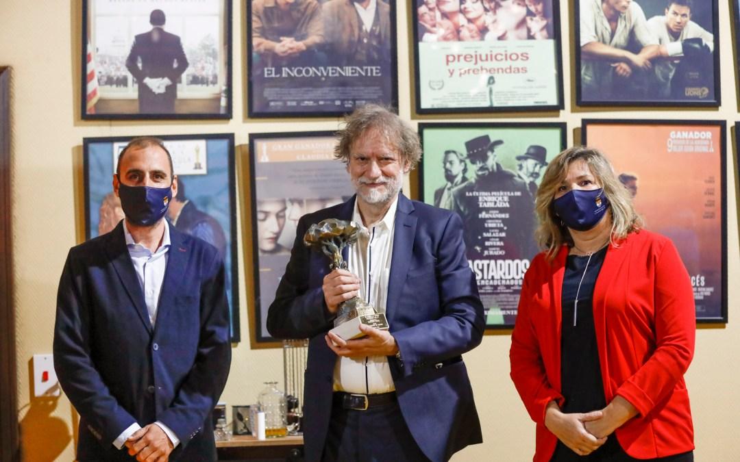 Nancho Novo recibe el Pi d'Honor de la Mostra de Teatre de l'Alfàs